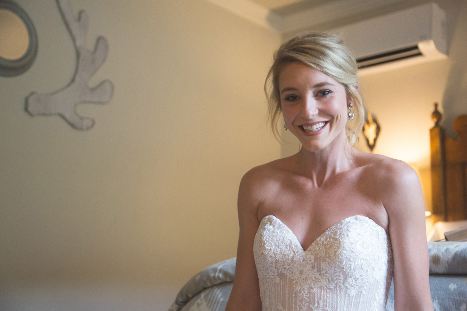 030-bride-smiling-before-the-elopement-wedding-ceremony