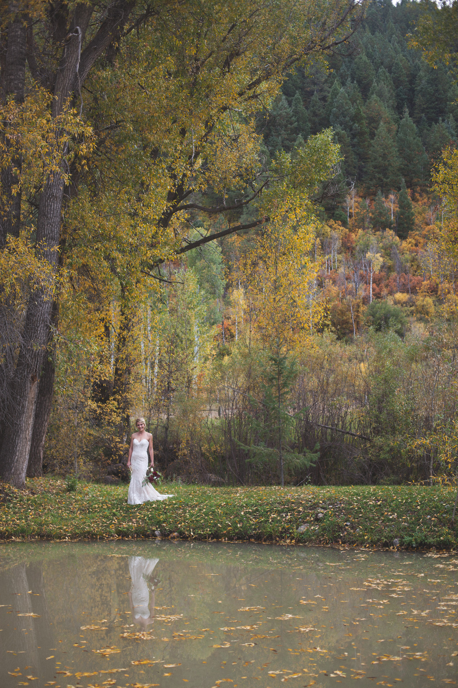 039-beautiful-portrait-of-bride-in-dress-in-nature-and-photojournalistic-photography-in-durango-colorado-elopement-wedding